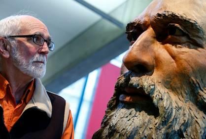 Headbones Gallery presents sculpture exhibit MO'JO