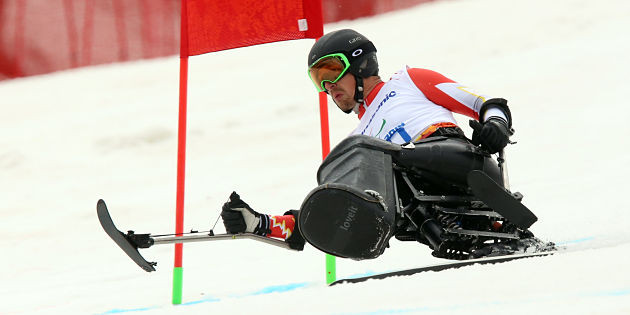 Sochi-2014-salom-josh_dueck-wins-gold