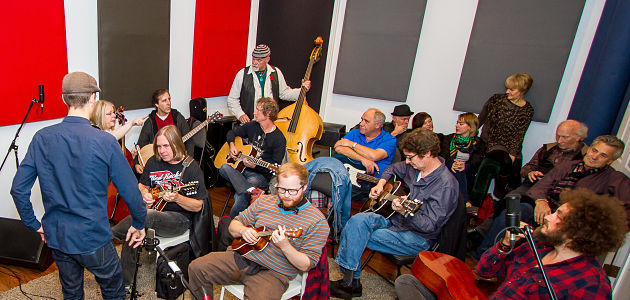 Listen: Songwriters Stewdio Session Raises Funds for Kelowna FoodBank