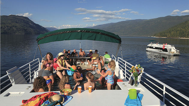 Shuswap Adventures with Twin Anchors Houseboats