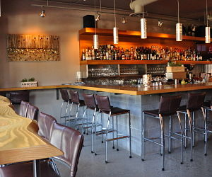 best-wine-bar-kelowna-waterfront-wines