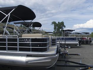 harris-pontoon-dockside-marine-kelowna