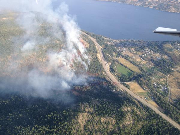 Drought Hill Fire remains within retardant guards