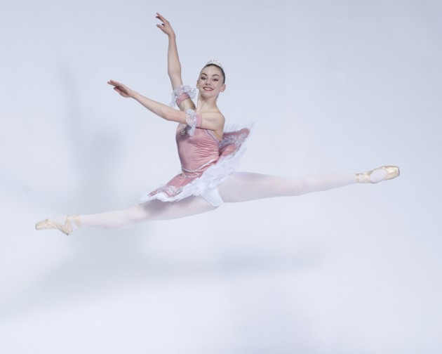 Claire-Flemming-Ballerina-Performing-Arts-BC