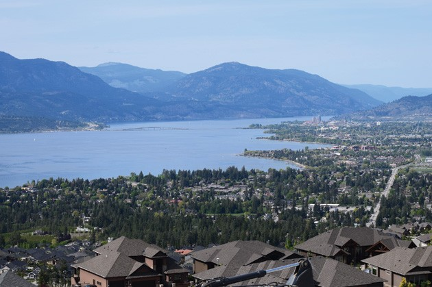 Dilworth-Homes-view-lake-Okanagan