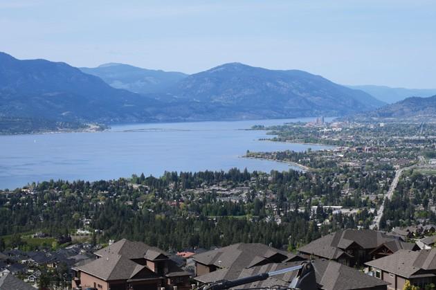 Dilworth-Homes-view-lake-Okanagan