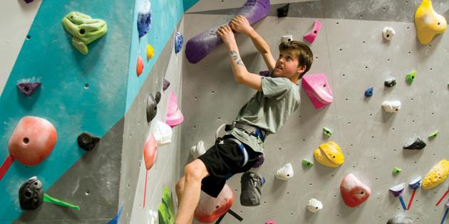 Rock-climbing-camp-vernon-kid