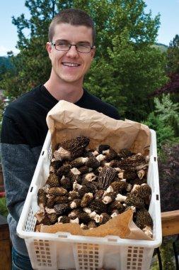Scott-Moran-food-forage-mushrooms