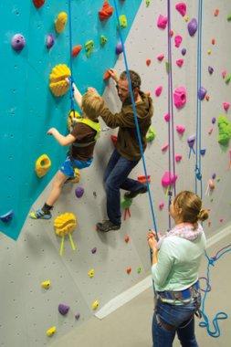 rock-climbing-vernon-kids-instructor-camp
