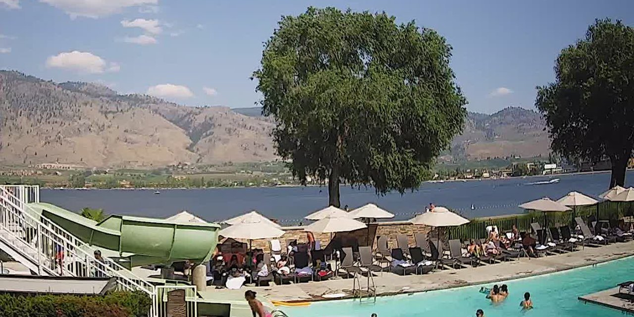 Beach cam shows clear skies in Osoyoos