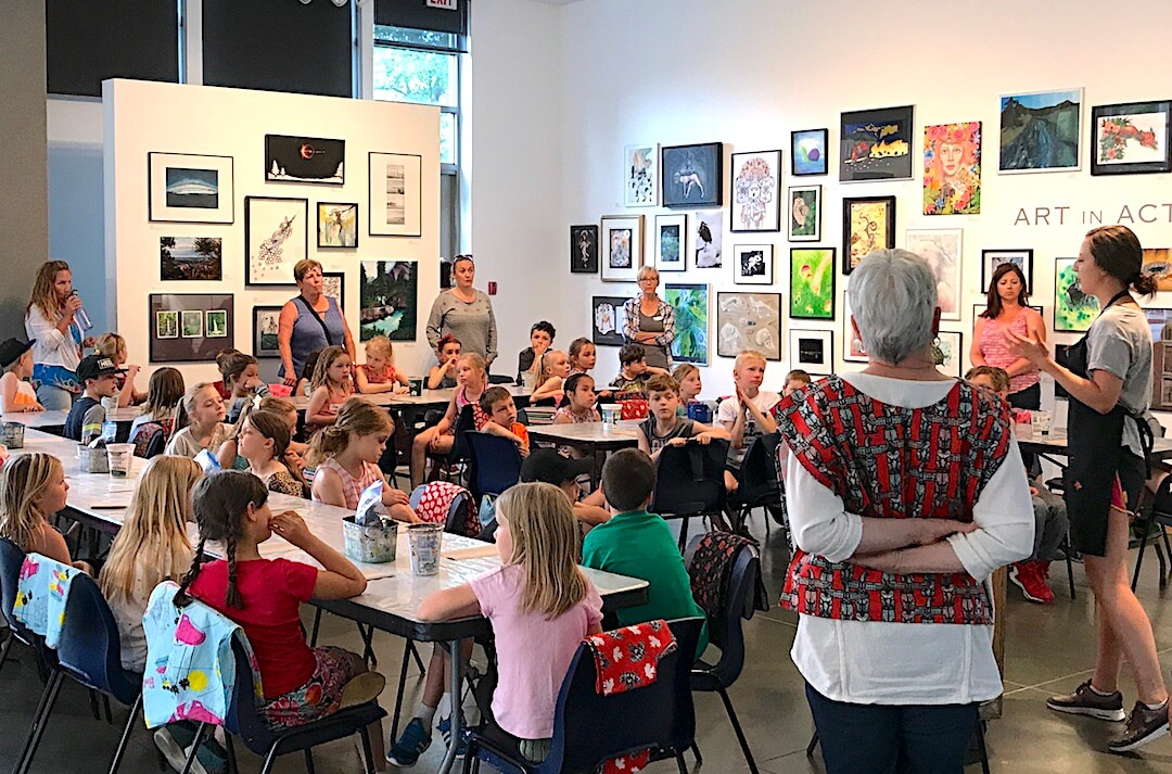 Art Gallery seeks volunteers for school tour program